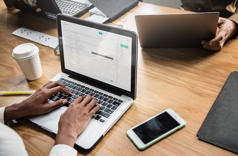 How to Compose a Stand Apart Email To a Company