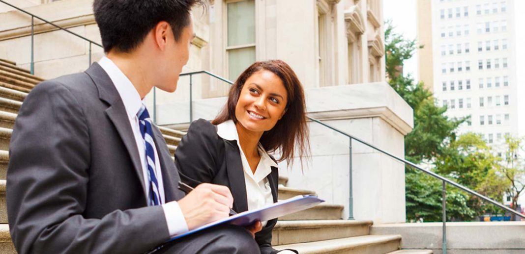 Four Reasons to Become a Paralegal