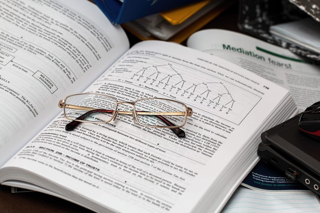 9 Benefits of a Career in Accounting