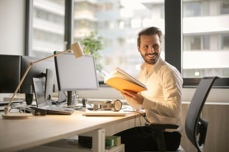 How to Become an Indispensable and Successful Employee
